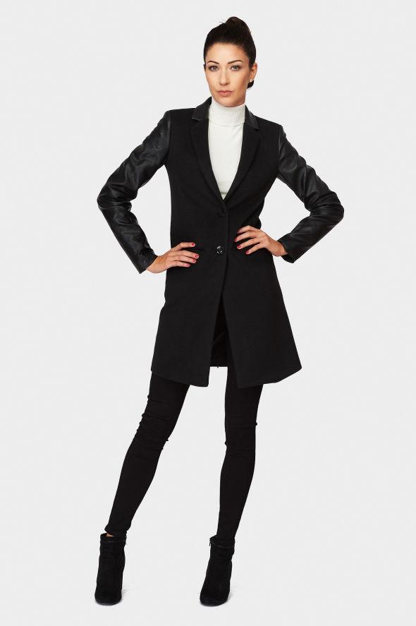 Kabát Sara